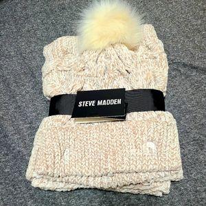 STEVE MADDEN HAT AND MUFFLER SET